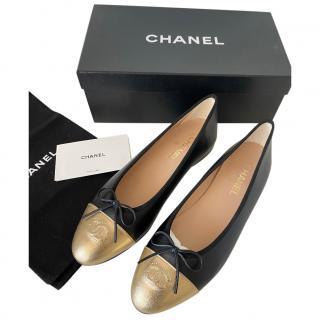 Chanel Calfskin Black & Gold Ballerina Flats