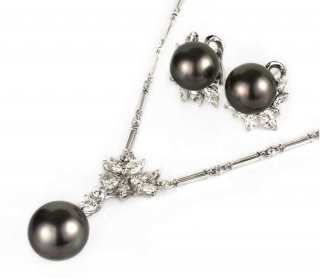 Bespoke 18k White Gold Pearl & Diamond Necklace & Earring Suite
