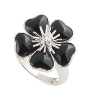 Van Cleef & Arpels Onyx Flower Ring with Diamond