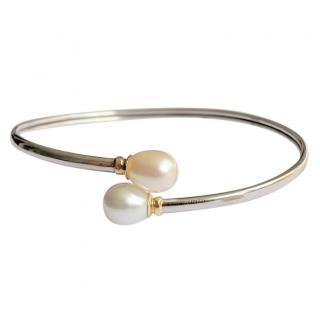 Bespoke gold and pear shaped pearl bangle