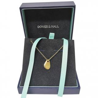 Dower & Hall Gold Tone Nomad Pebble Pendant Necklace