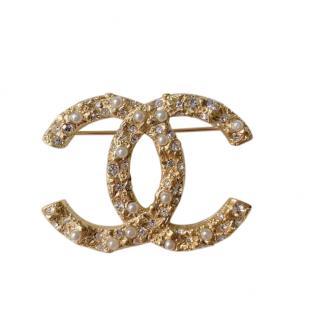 Chanel Gold Tone Pearl & Crystal CC Pin Brooch