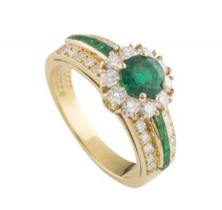 Van Cleef & Arpels Diamond Ring in Yellow Gold