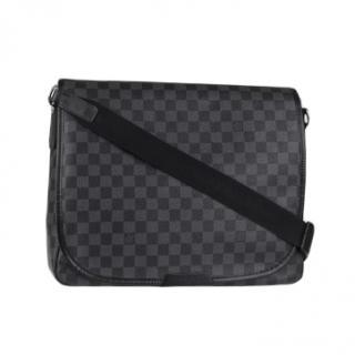 Louis Vuitton Damier Graphite Daniel Messenger Bag