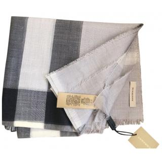 Burberry Grey Check Scarf