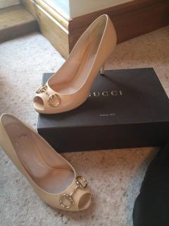 Gucci beige shoes