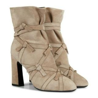 Roger Vivier Grey Suede Knot Detail Boots