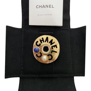Chanel Coco Round Faux Pearl & Crystal Brooch