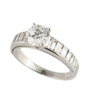 Van Cleef & Arpels Solitaire Platinum Ring