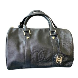 Chanel black caviar leather VIP gift shoulder strap duffle bag