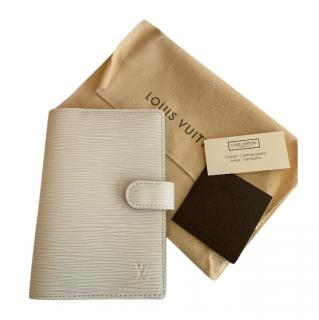Louis Vuitton White Epi Leather Agenda Cover