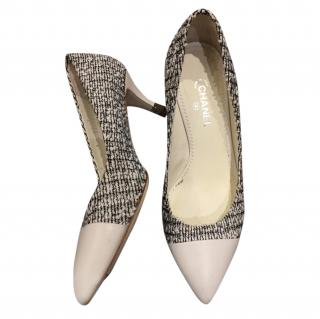 Chanel White Tweed & Leather Cap Toe Pumps