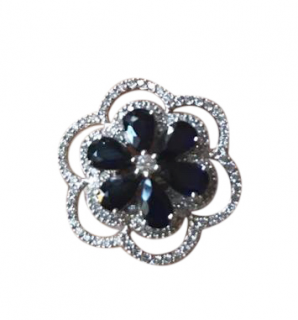 Damas Sapphire & Diamond Flower Ring