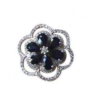 Damas Sapphire & Diamond Flower Ring