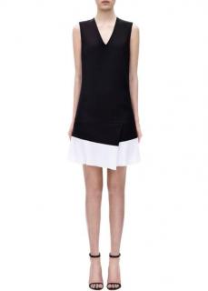 Victoria Victoria Beckham two-tone crepe sleeveless v-neck dress