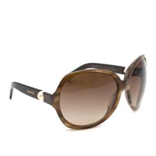 Chanel Collection Perle Oversize Sunglasses