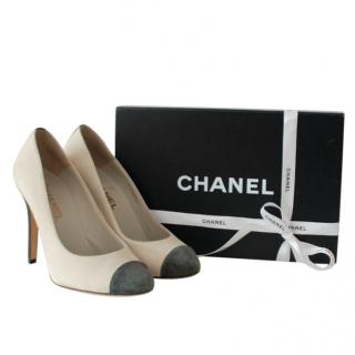 Chanel Two-Tone Heeled Round Toe Pumps