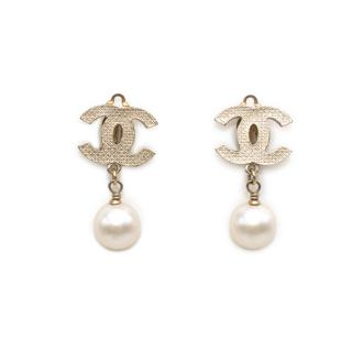 Chanel Gold Pearl Drop CC Clip-on Earrings
