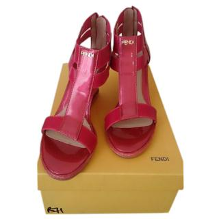 Fendi Zeppa Vernice Wedges In Pink