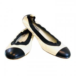 Chanel Black & White Stretch Leather Ballerina