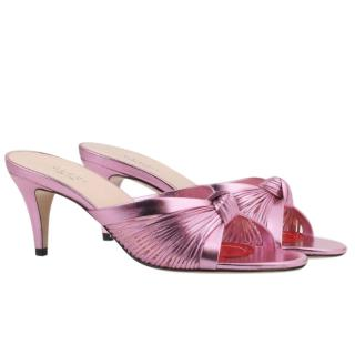 Gucci Metallic leather mid-heel sandal in Rosa