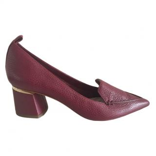 Nicholas Kirkwood Burgundy Pebbled Leather Pointed Toe Pumps