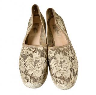 Valentino beige lace espadrilles