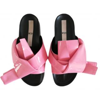 No.21 candy pink slides