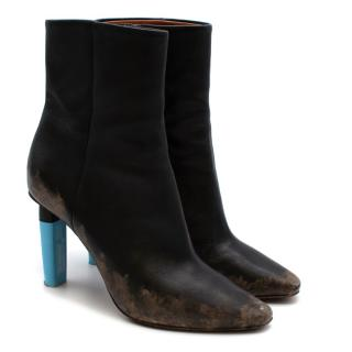 Vetements Highlighter-Heel Distressed Leather Ankle Boots