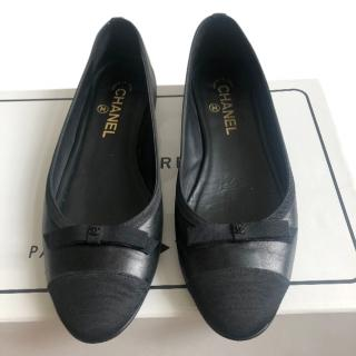 Chanel black lambskin grosgrain bow-cap ballet flats