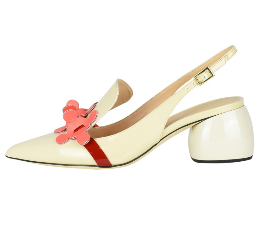 Anya Hindmarch nude patent leather bow sling-back pumps