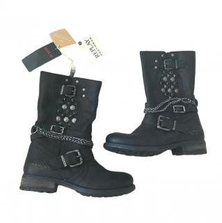 Relay black leather biker boots