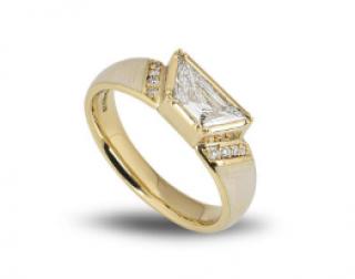 Bespoke Yellow Gold Trapezium Cut Diamond Enamel Ring