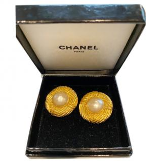 Chanel vintage goldtone & faux pearl clip-on earrings