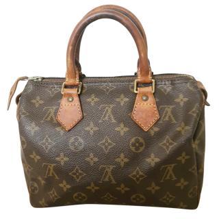 Louis Vuitton Monogram Speedy 25 Bag