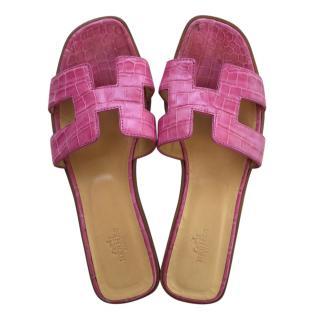 Hermes Pink Crocodile Oran Sandals