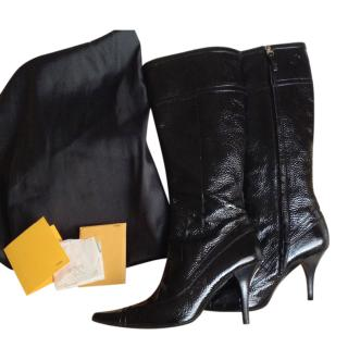 Fendu Crackled Glossy Leather Pointed Toe Boots