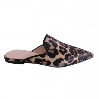 Pretty Ballerinas leopard print ella dancer mules