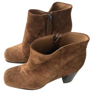 Max Mara Tan Suede Ankle Boots