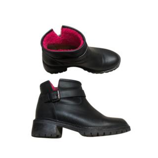 Fendi Black Leather Shearling Lined Ankle Boots