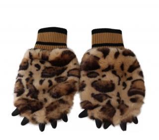 Dolce & Gabbana Leopard Print Faux Fur Mittens