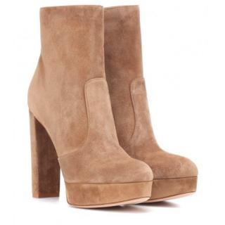 Gianvito Rossi Beige Brook Suede Platform Ankle Boots
