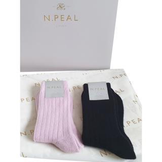 N.Peal Pink & Black Cashmere Sock Gift Set