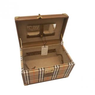 Burberrys Vintage Check Cosmetic Travel Case