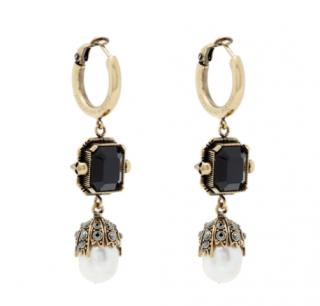 Alexander McQueen Onyx and pearl-drop earrings