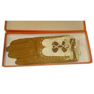 Hermes Camel/Cream Leather Lace-Up Driving Gloves