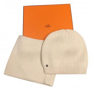 Hermes Beige Wool Hat & Snood