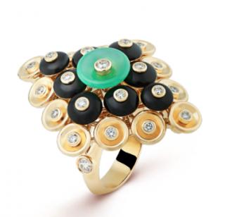 Van Cleef & Arpels Yellow Gold diamonds, onyx & chrysoprase Ring