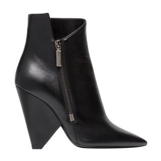 Saint Laurent Niki 85 black leather boots.