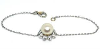 Bespoke 18ct White Gold Akoya Pearl & Diamond Bracelet